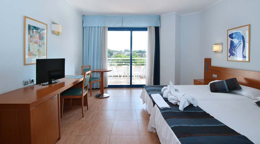 Double room piramide hotel salou