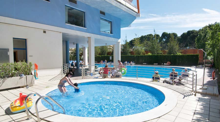 childrens pool piramide hotel salou